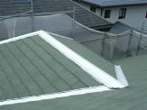屋根棟錆止め塗付作業